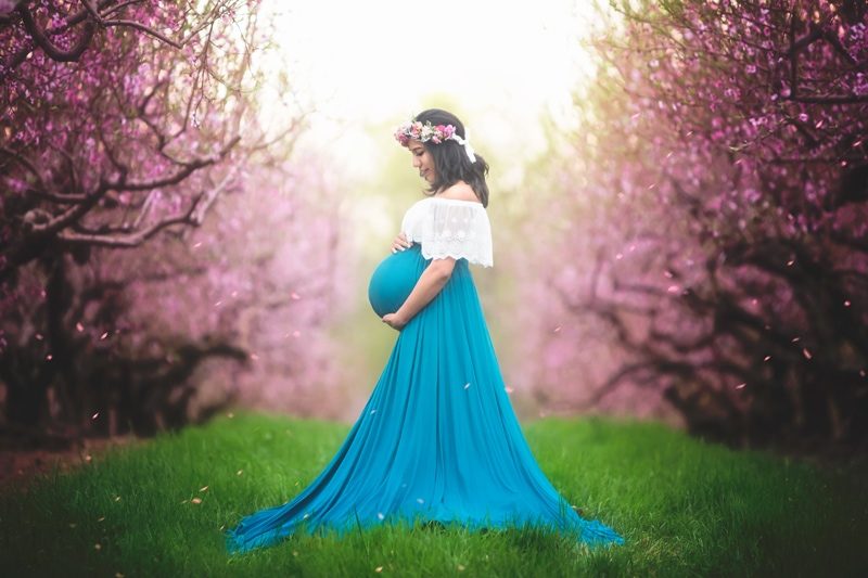 Maternity Photographer, Woman in long blue dress