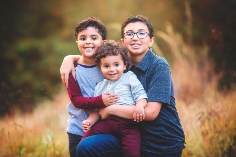Family Photographer, 3 brothers posing together
